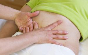 Manuelle Behandlung des Darms